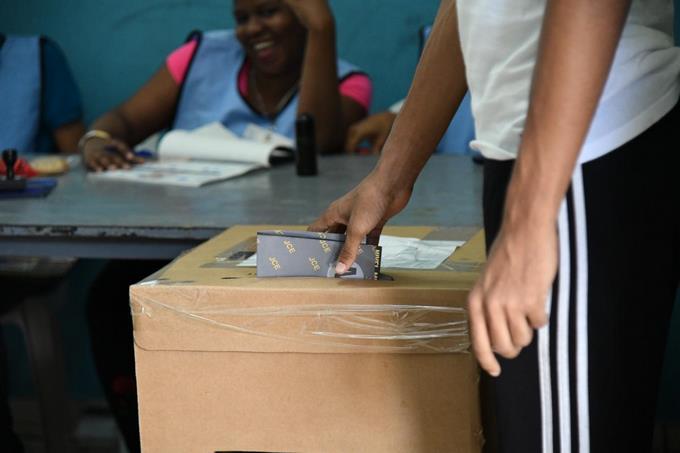Presidente de Firma Encuestadora  propone a la JCE  dividir por edades las votaciones del próximo 5 de julio 2020